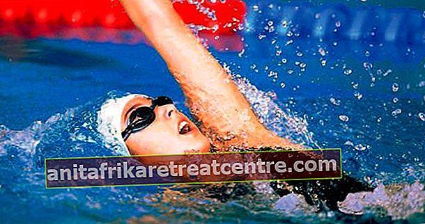 Berenang terlentang untuk kesehatan tulang belakang