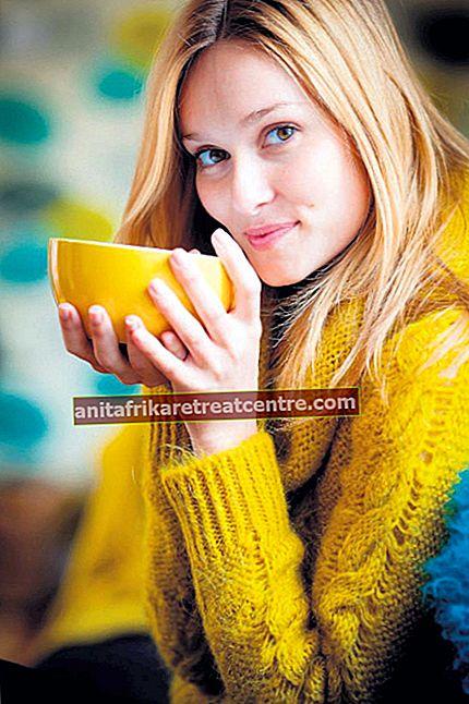 Minum teh jelatang dua jam setelah makan malam
